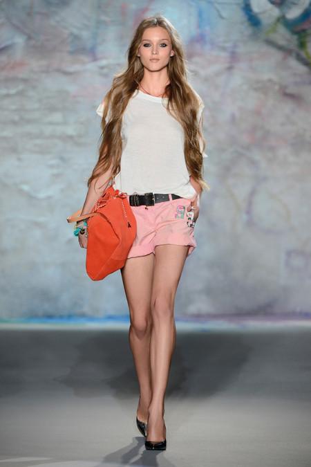 Patrizia Pepe весна-лето 2013 – городская одежда «с перчинкой» — фото 34