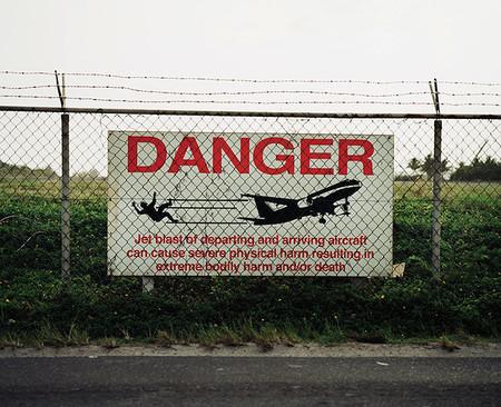 Предупреждение об опасности. Смертельной, между прочим