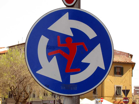 «Улучшенные» дорожные знаки от Клета Авраама — фото 17