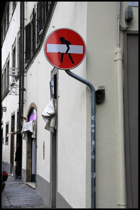 «Улучшенные» дорожные знаки от Клета Авраама — фото 2