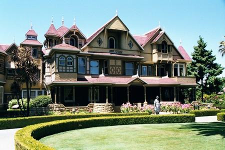 Дом Винчестеров – абсурдный, полный мистики и непригодный для жизни — фото 5