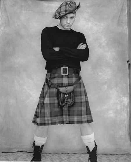 Начнем со звезд, носящих юбки — Эван МакГрегор