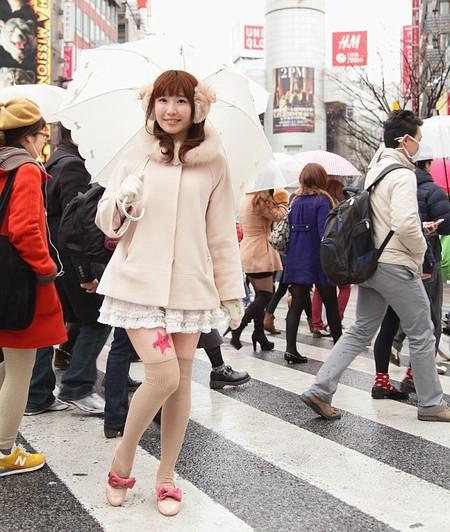 Как юных японок ноги кормят )) Новая идея рекламщиков — фото 3