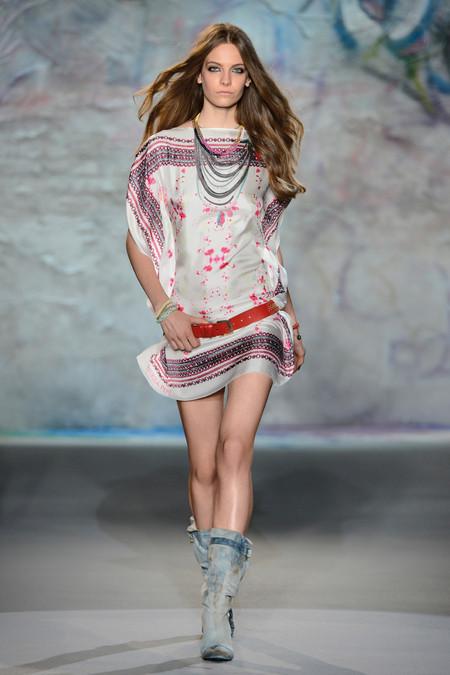 Patrizia Pepe весна-лето 2013 – городская одежда «с перчинкой» — фото 29