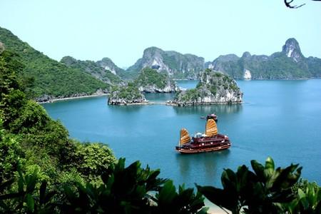 Бухта Халонг во Вьетнаме – острова, изумрудная вода и дракон — фото 21