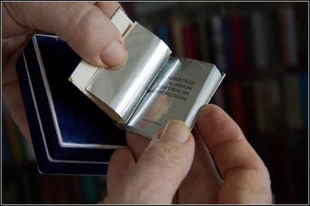 Самая большая библиотека самых маленьких книг – коллекция Джозефа Тари (Jozsef  Tari) — фото 16