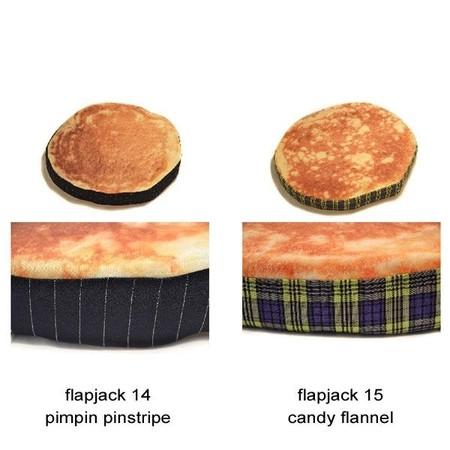 Оладьи … на полу. Оригинальные подушки Pancake Floor Pillows — фото 6