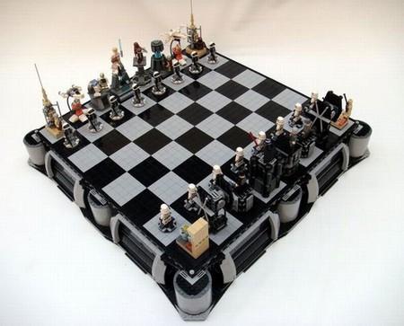 Шахматы в духе «Звездных Войн» — все персонажи узнаваемые, посражаться есть кому)
