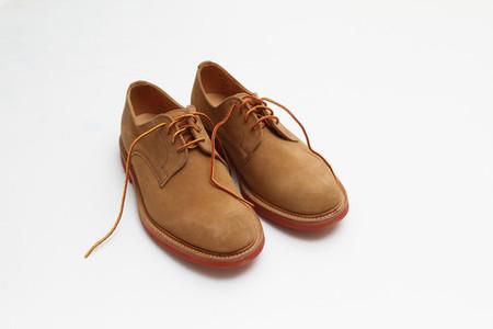 """Двухцветные шнурки — еще одна """"фишка"""" дизайнера"""