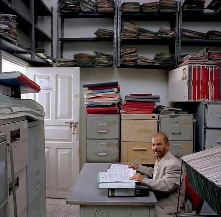 (4,240 евро). Ali Abdulmalik Shuga отвечает за архивы Министерства торговли и коммерции в городе Таиз, Йемен. Зарплата — 30,500 риалов (US$ 171, 117 евро).