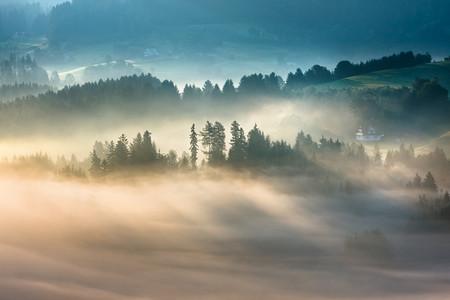 Туманные пейзажи на красивых снимках Богуслава Стремпеля — фото 21