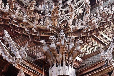 Храм Истины – настоящий деревянный шедевр — фото 18