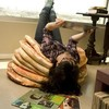 Оладьи … на полу. Оригинальные подушки Pancake Floor Pillows