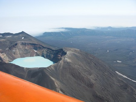 Озеро Семячик и бок вертолета.