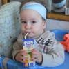 Деревенское коровье молоко или специальное детское - что полезнее для ребенка?