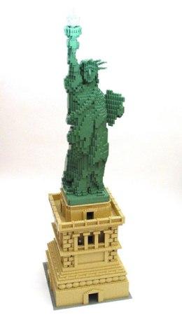 LEGO-скульптуры Натана Савайя — фото 4