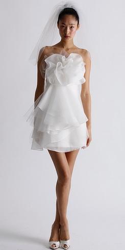 Новые тренды свадебных платьев на весну 2011 года — фото 4