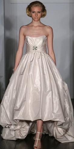 Новые тренды свадебных платьев на весну 2011 года — фото 6