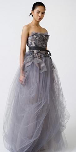 Новые тренды свадебных платьев на весну 2011 года — фото 5