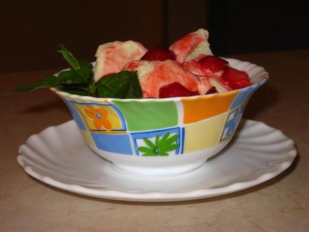 Домашнее мороженое с клубникой. — фото 16