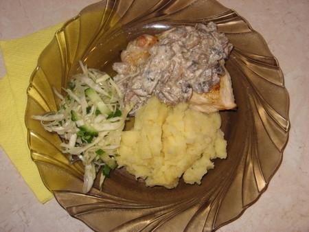 Куриная грудка под грибным соусом — фото 1