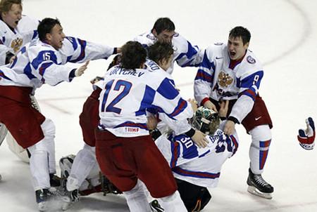 Побееееееедааааааа! Молодежная сборная России по хоккею стала чемпионом мира! — фото 1