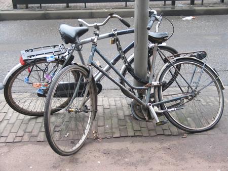 Паркуются как угодно и где угодно