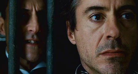 Дауни играет неплохо, но ему повезло — он не видел Холмса в исполнении Ливанова