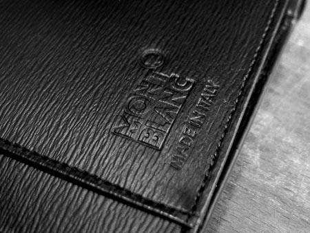 Внутри выдавленный логотип Montblanc