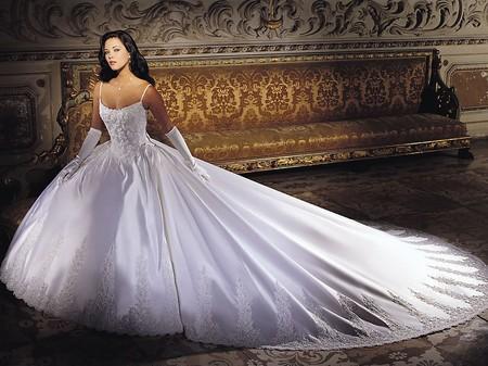 Свадебные платья для нестандартных фигур
