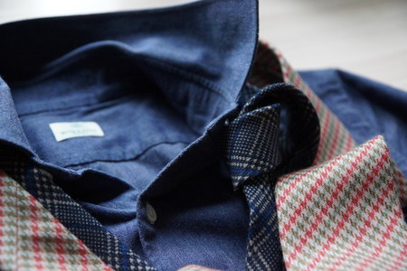 Галстуки Borrelli в компании с джинсовой рубашкой Borrelli