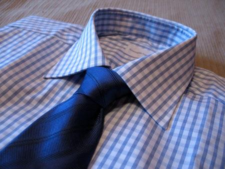С синим галстуком в фактурную полоску Pal Zileri