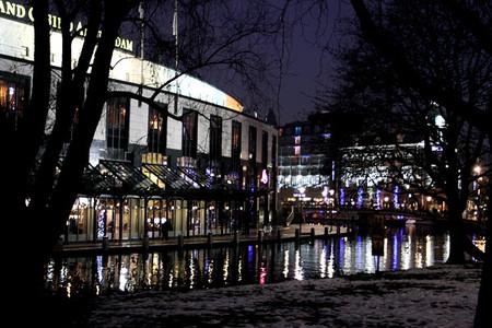 Красота новогоднего Амстердама говорит сама за себя. Нужны слова?