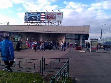 Выход из метро Черкизовская. Людей еще не очень много. Иду дальше