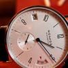 Часы Nomos Tangomat GMT. Эстетика простых форм