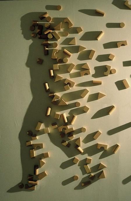 «Building blocks» (1997) – дерево, свет, тень