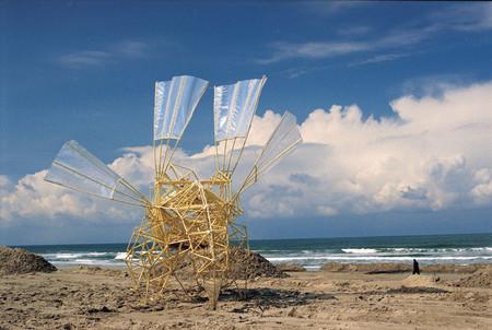 В поисках ветра. Кинетические скульптуры Тео Янсена — фото 2