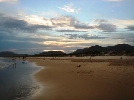 Бразилия. Вода теплая, пляж пустой, жизнь удалась!