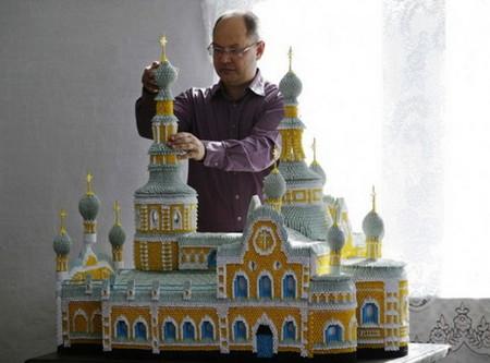 Макет Минусинского православного Свято-Спасского храма — еще одна работа Сергея Тарасова