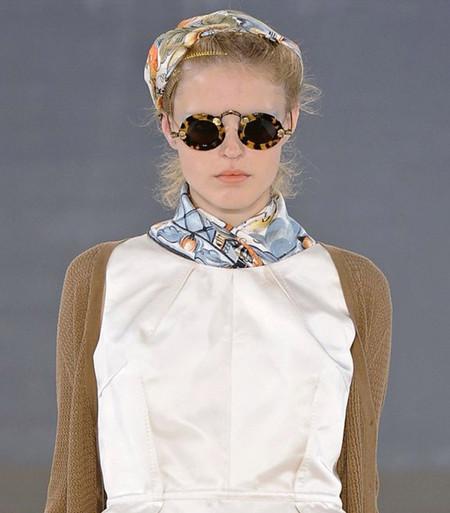 Нескромные косынки - модный тренд лета 2012 — фото 16
