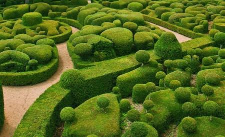 Фрагмент великолепного сада Маркисак, который также относится к местным достопримечательностям