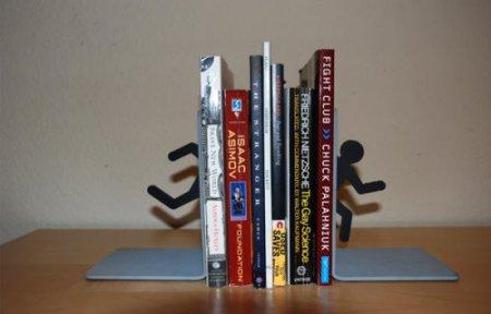 Дизайн на книжной полке: креативные подставки для книг — фото 13