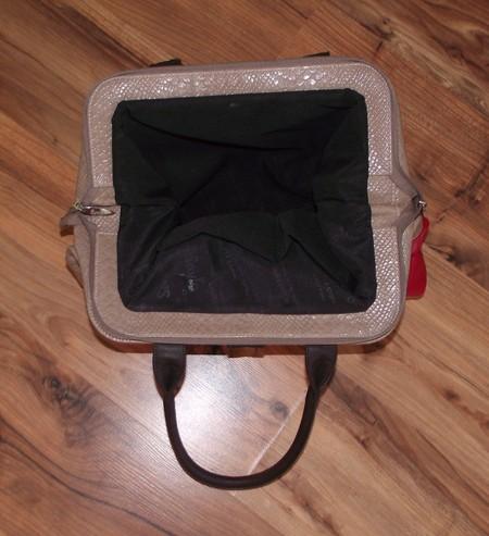 В такую сумку помещается многое :-)