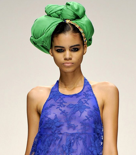 Нескромные косынки - модный тренд лета 2012 — фото 13