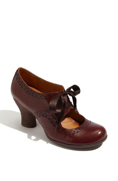 Туфельки в цвете бордо с коричневым оттенком