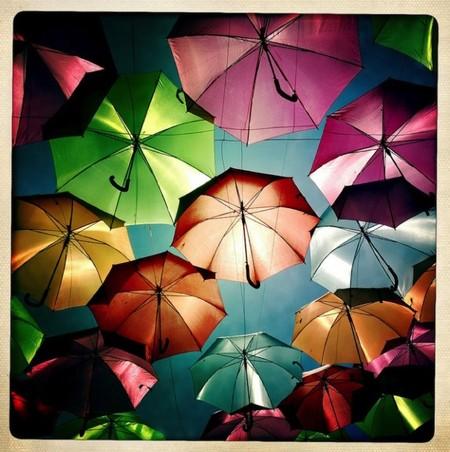 """Инсталляция """"Umbrella Sky"""": небо, зонтики и яркие краски! — фото 3"""