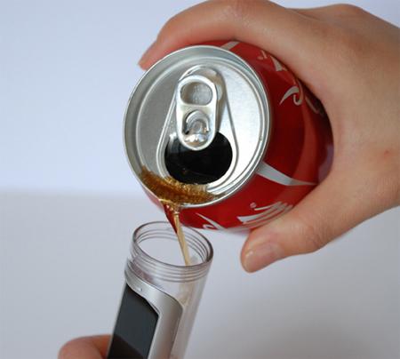 """Always Coca-Cola: концепт """"газированного"""" телефона от Nokia — фото 1"""
