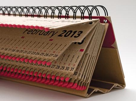 Спички, часы и жалюзи: самые необычные календари на 2013 год — фото 1