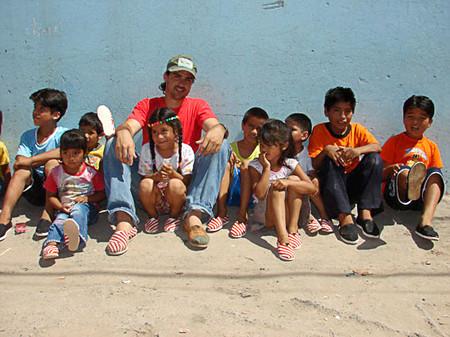 Аргентинская детвора в мокасинах TOMS