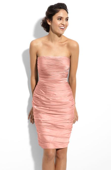 Это платье отMonique Lhuillier рекомендуют стилисты универмага Nordstrom